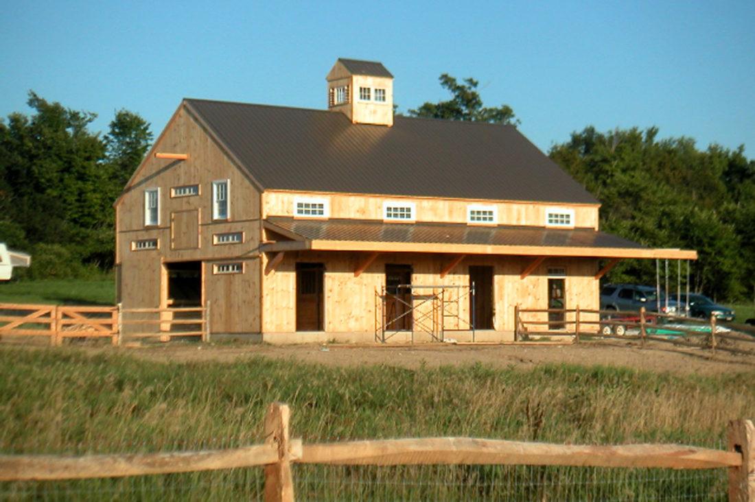 Horse Barn And Apartment Geobarns